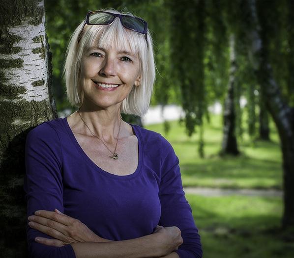 Portrætbillede af havearkitekt Hanne Nippin, Nippin-Haver, 8520 Lystrup (https://www.nippin-haver.dk)